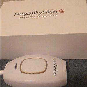 HeySilkySkin - At Home Laser Hair Removal